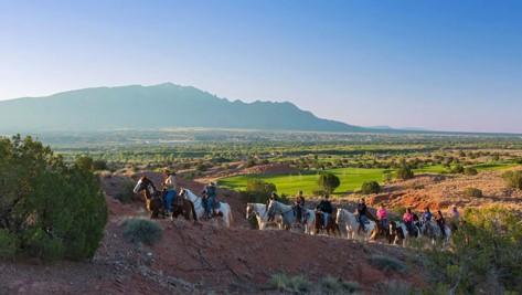 horseback_trail_ride_2.jpg
